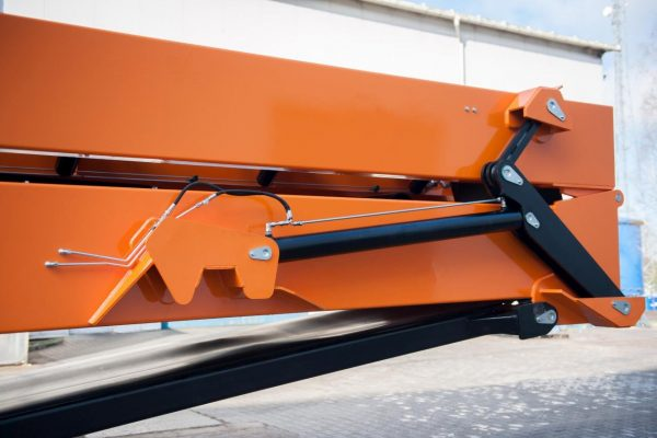 Pronar Durable Cylinders In Opening System